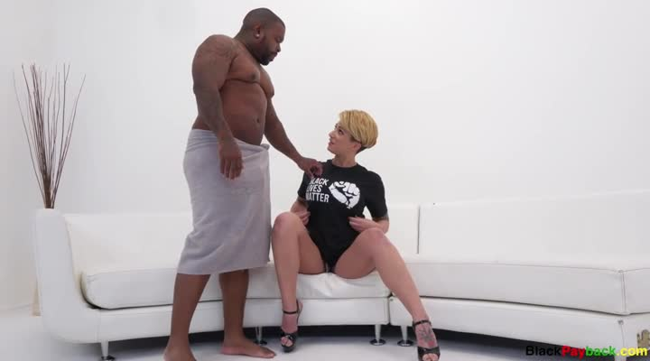 Della Dane Vs Rico Strong 2 (blackpayback)
