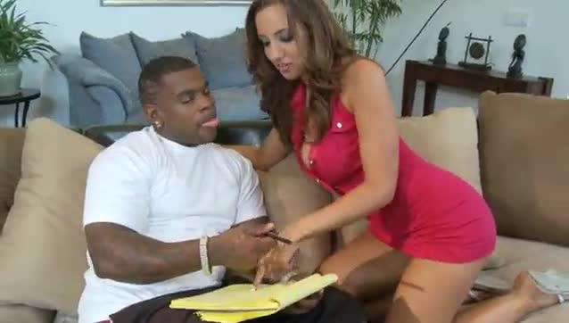 Kelly Divine Vs Rico Strong 4