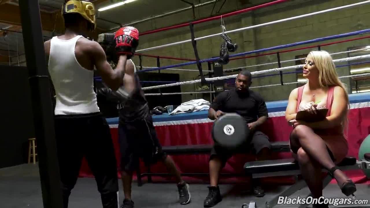 Alura Jenson Vs Ray Black, Slim Poke & Rico Strong