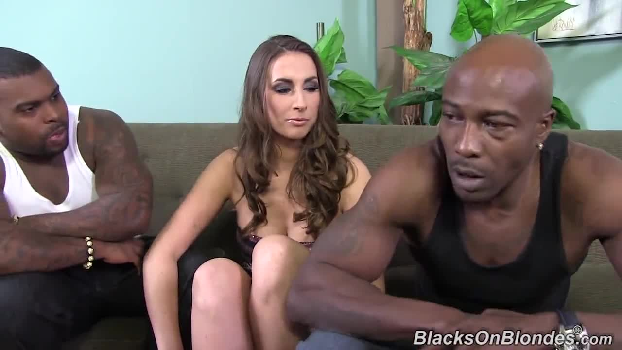 Paige Turnah Vs Wesley Pipes & Rico Strong